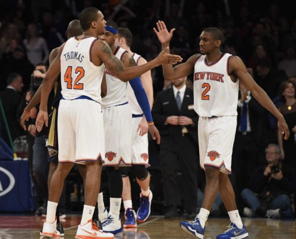 Knicks beat Pelicans end 16 game losing streak jan 19 2015 langston galloway
